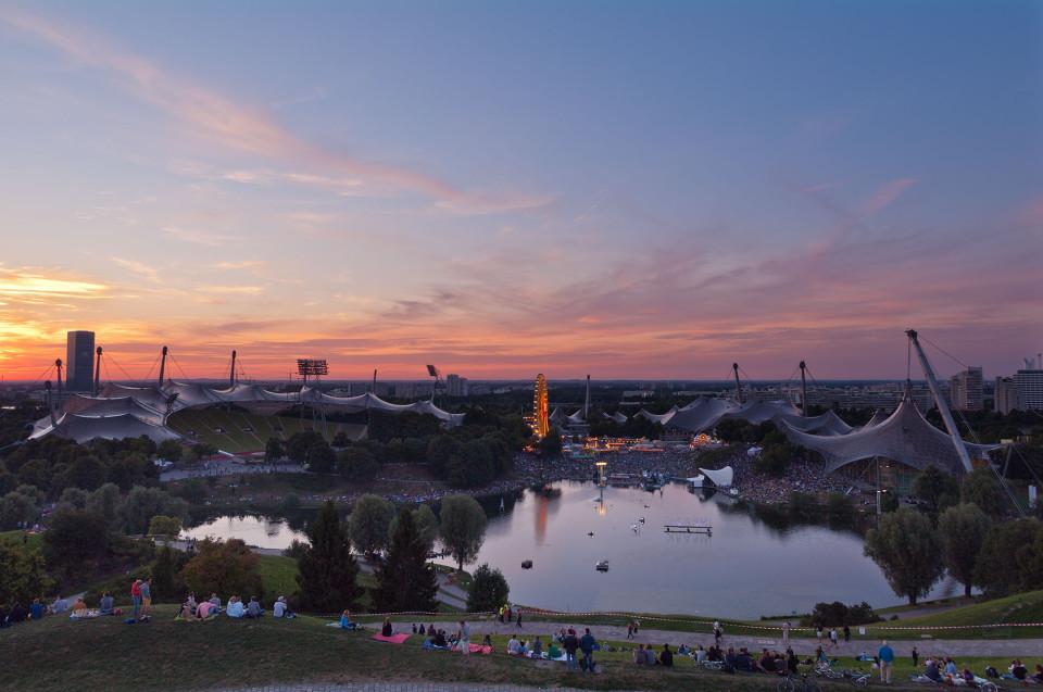 Sonnenuntergang vom Olympiaberg aus