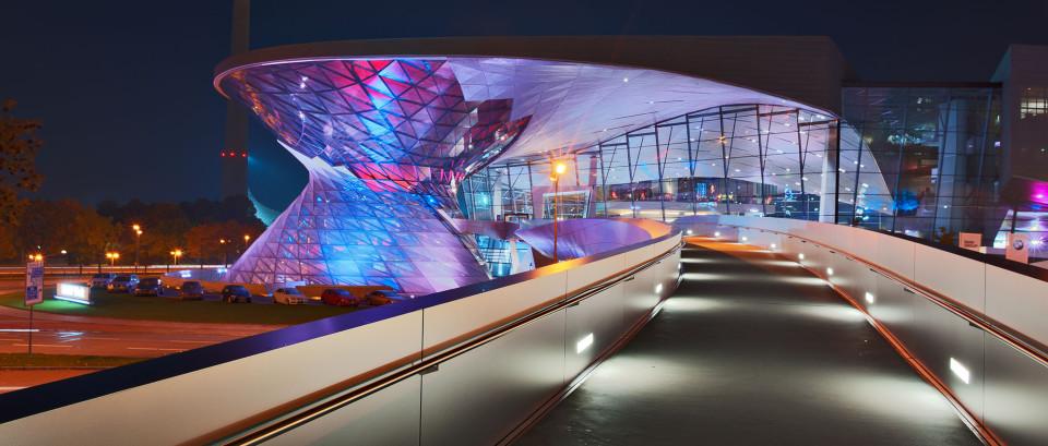 BWM Welt München bei Nacht