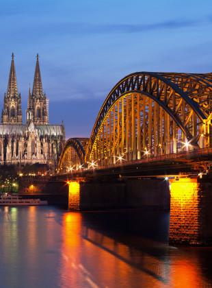 Kölner Dom Dämmerung