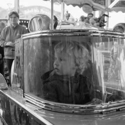 Mein Sohn im Karussell-Auto auf dem Oktoberfest 2015
