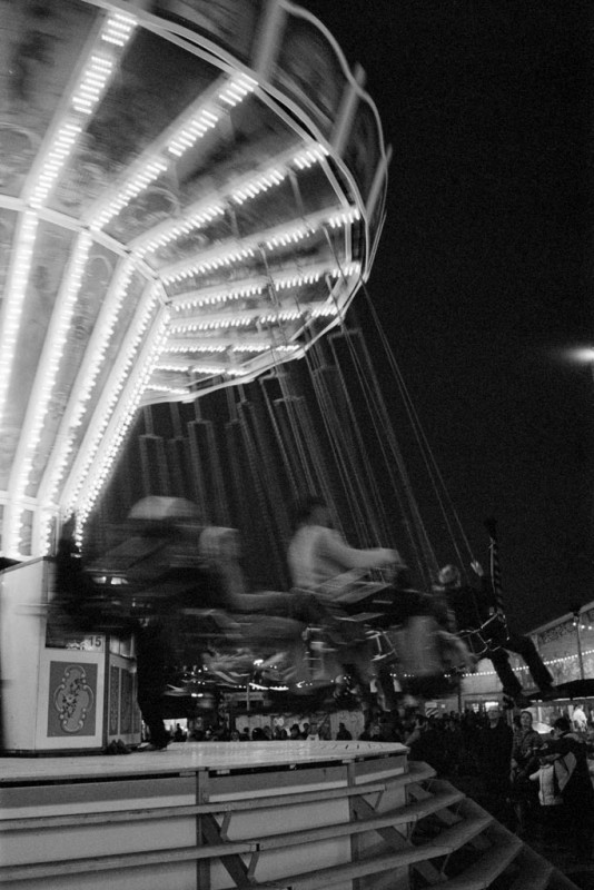 Kettenkarussell auf dem Oktoberfest 2015 bei Nacht